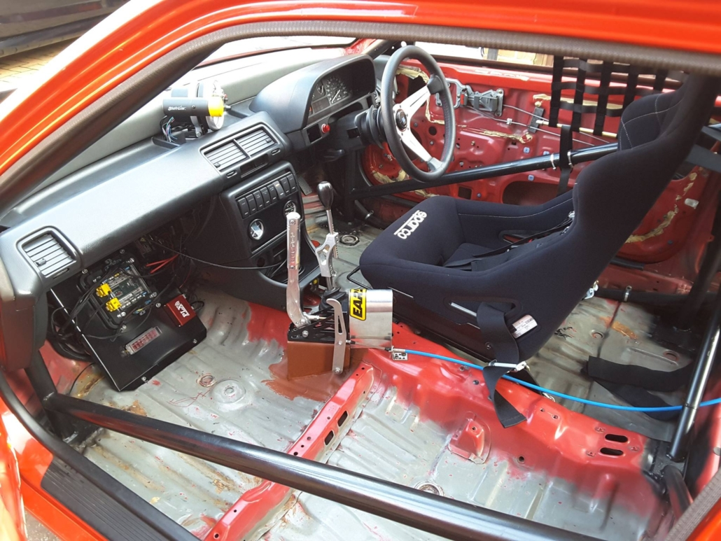 Interior of 1991 Honda set up for drag racing. This car is wired with the Infinitybox Express Drag Car Kit.
