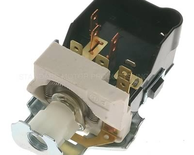Picture of a headlight switch manufactured by Standard Motor Products